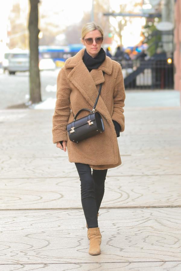 Ники Хилтон-Ротшильд в НЙ Манхэттена, улицах, четверг, ХилтонРотшильд