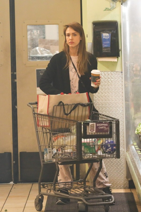 Будни Джессики Альбы в ЛА Whole, Foods, БеверлиХиллс, покупками, заехала, Альба, прошлой, неделе, Джессика