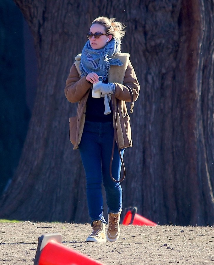 Будни Оливии Уайлд в НЙ прогулки, собакой, время, понедельник, Уайлд, Оливия