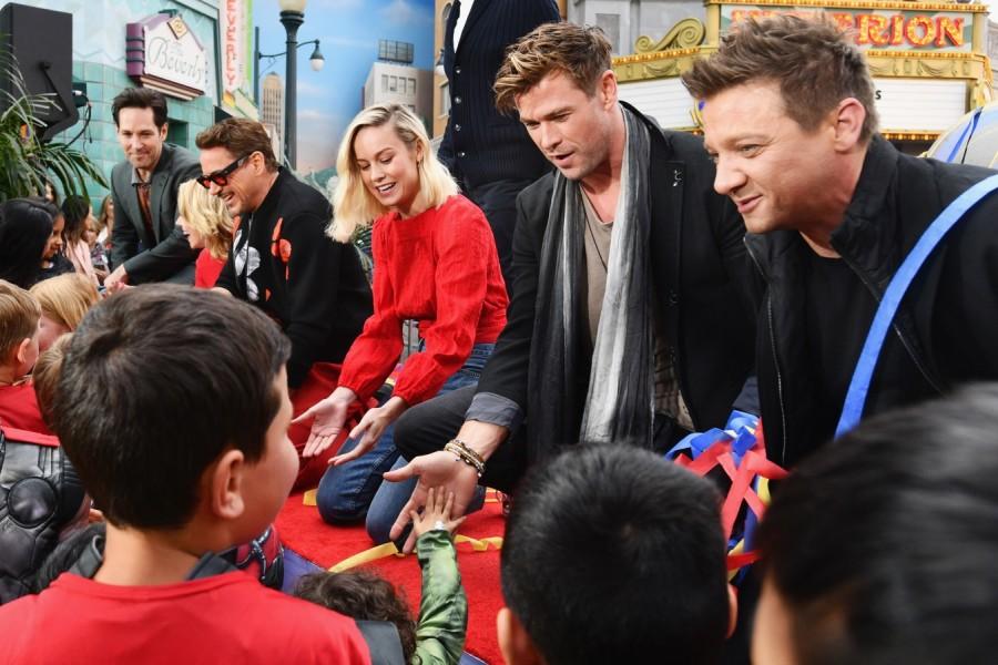 Актеры фильма Мстители: Финал на встрече с поклонниками в Диснейленде