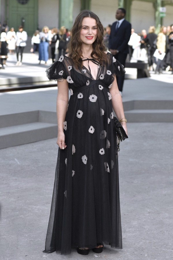 Звезды на модном показе Chanel Cruise Collection в Париже