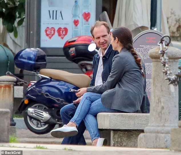 Рэйф Файнс в Турине неизвестной, брюнеткой, замечен, Актер, четверг, Турине, Файнс