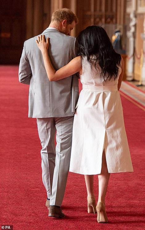 Меган Маркл и принц Гарри объявили имя сына