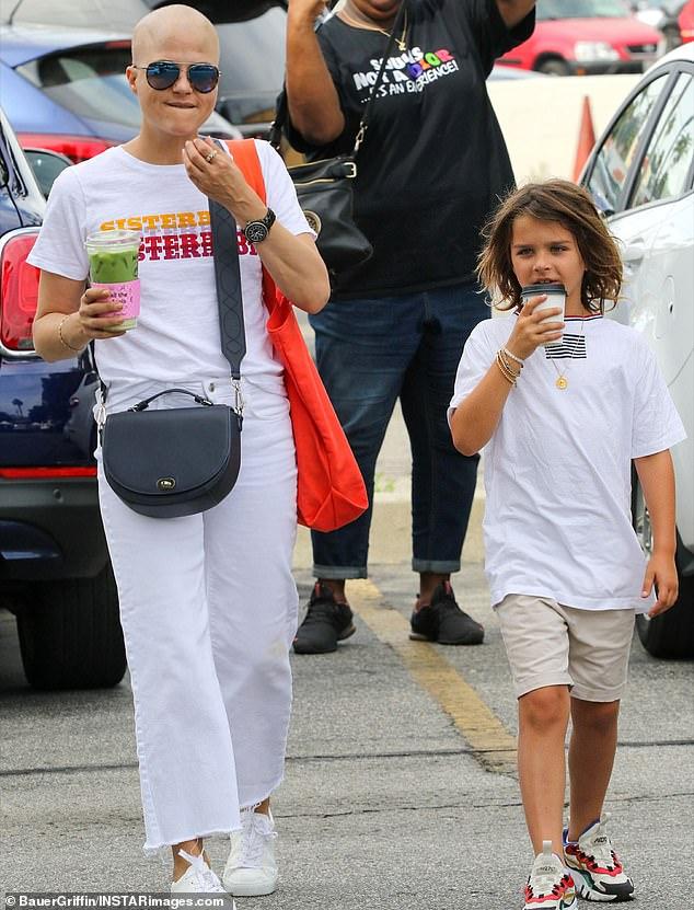 Сельма Блэр с сыном в ЛА