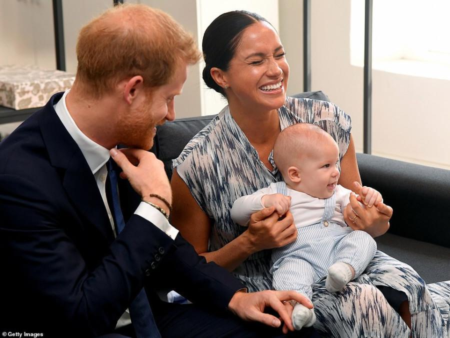 Меган Маркл и принц Гарри с сыном в Южной Африке