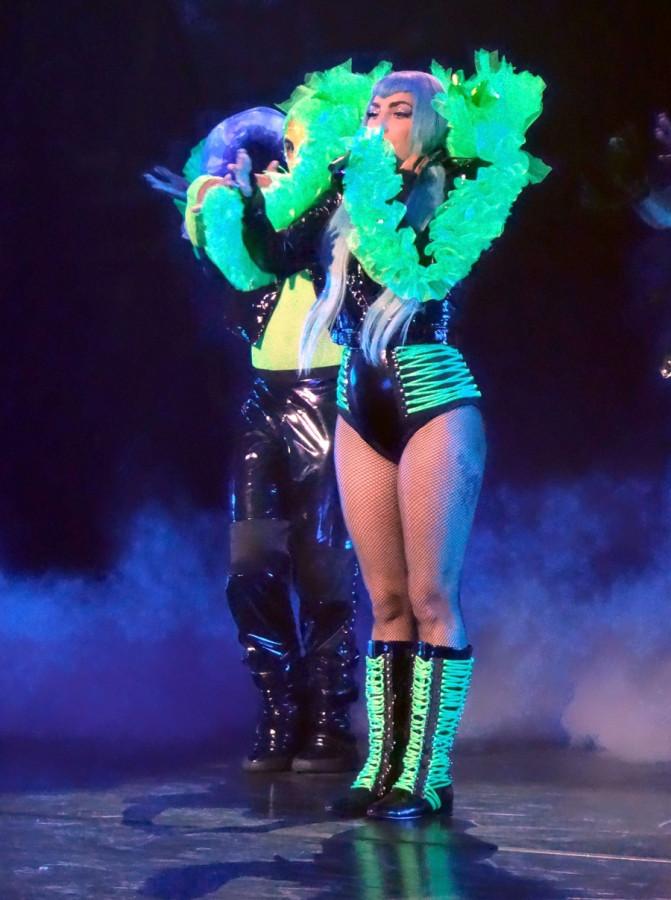 Леди Гага на сцене lady gaga