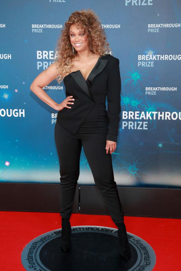Знаменитости на Breakthrough Prize Ceremony