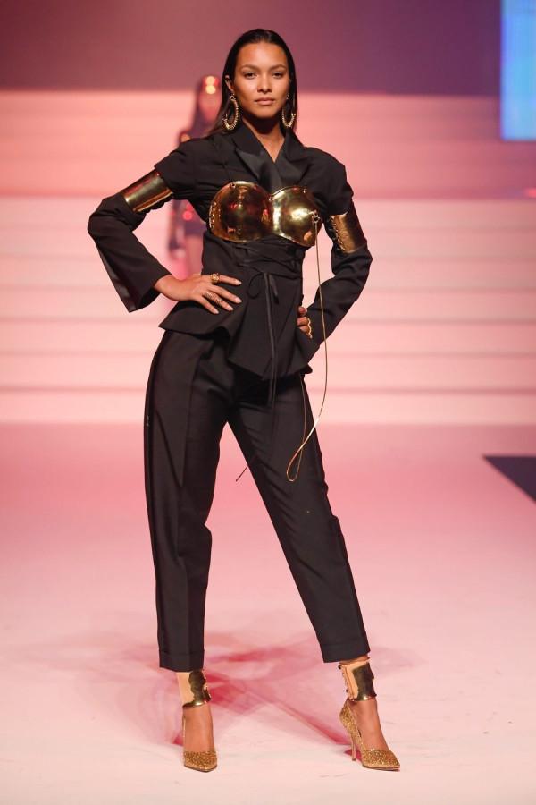 Модели на модном показе Jean-Paul Gaultier Haute Couture