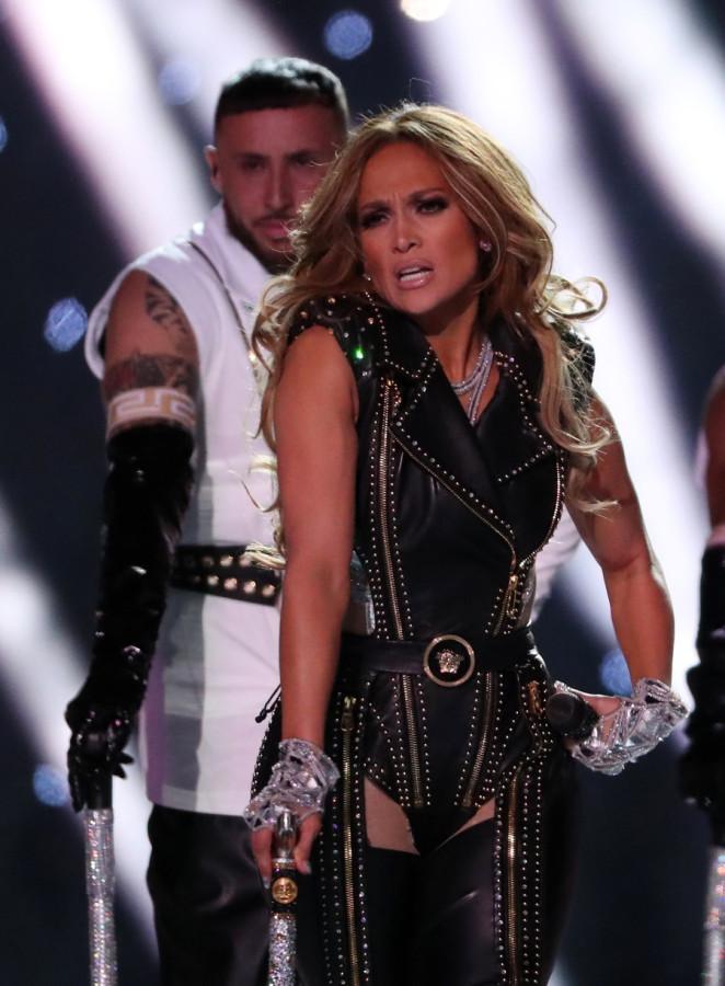 Видео: ДжейЛо и Шакира выступили на Super Bowl
