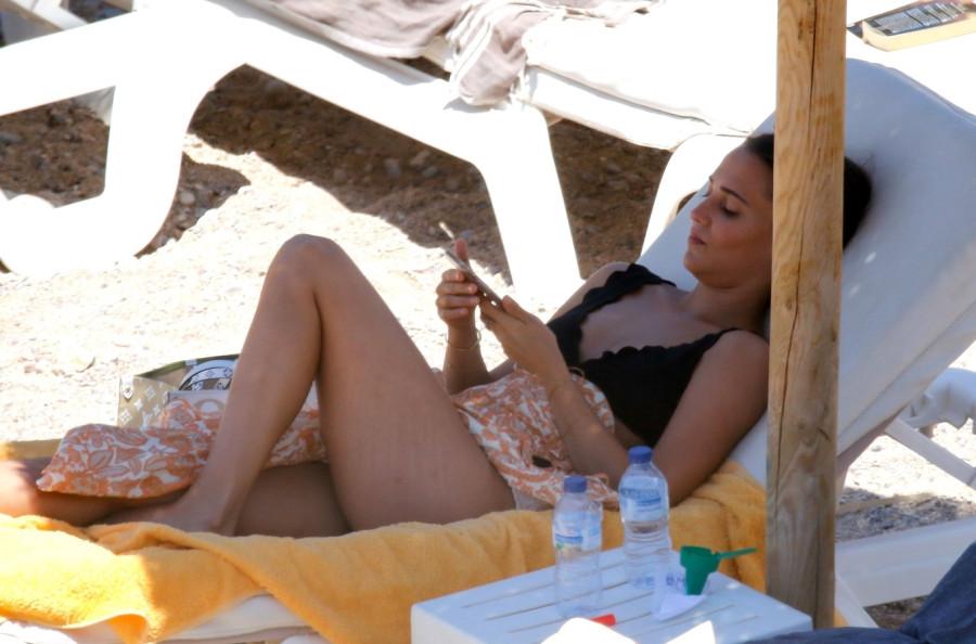 Алисия Викандер на пляже alicia vikander,пляж/бикини