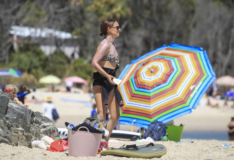 Натали Портман на пляже пляж/бикини,natalie portman
