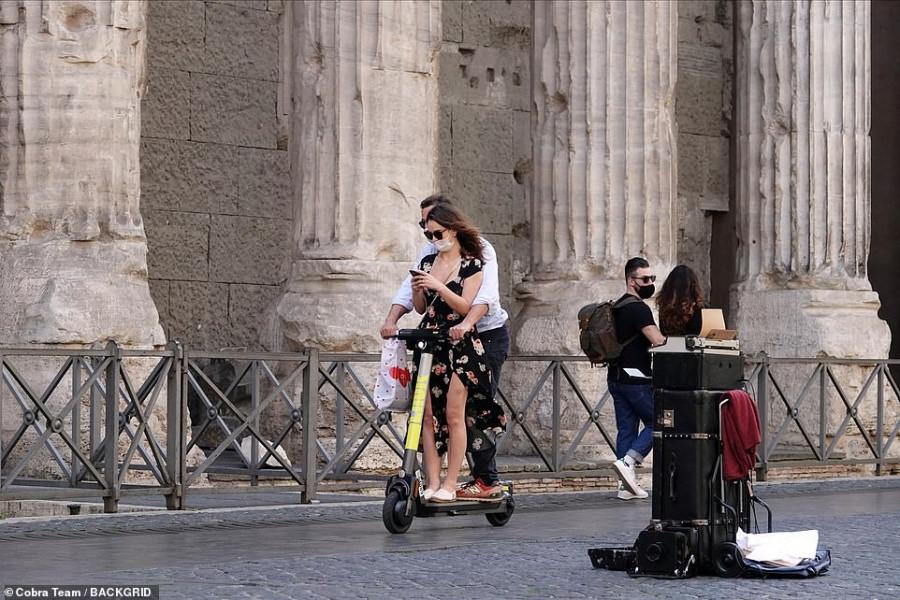 Римские каникулы Лили Джеймс и Доминика Уэста lily james,скандал,dominic west