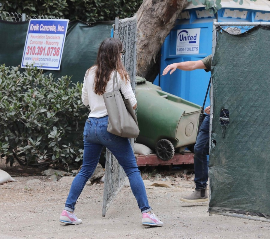 Будни Дженнифер Гарнер в ЛА jennifer garner