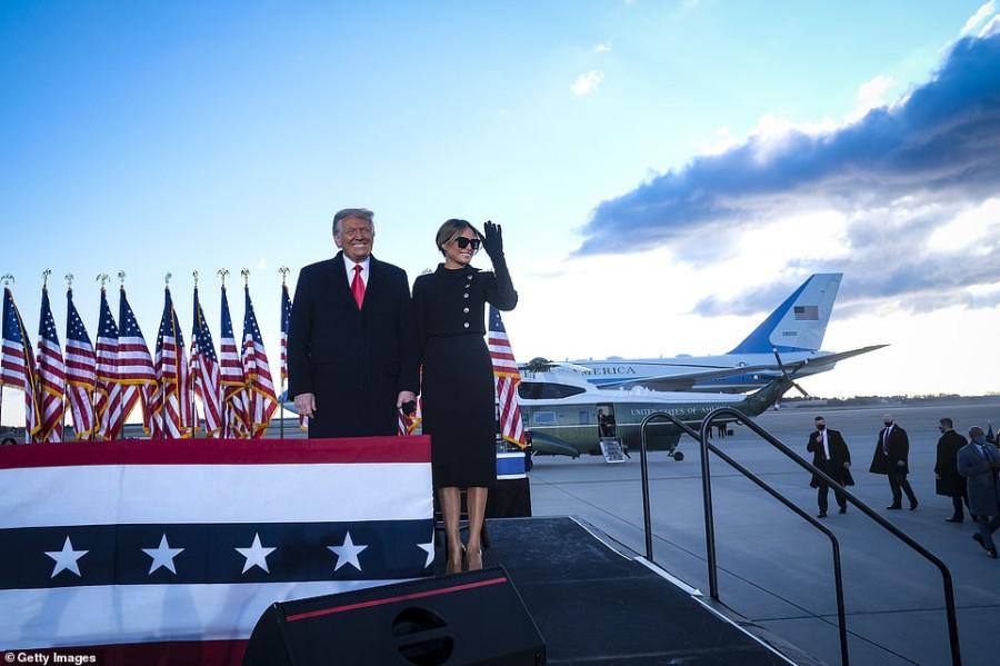 Дональд Трамп покинул Белый дом и улетел во Флориду donald trump,melania trump