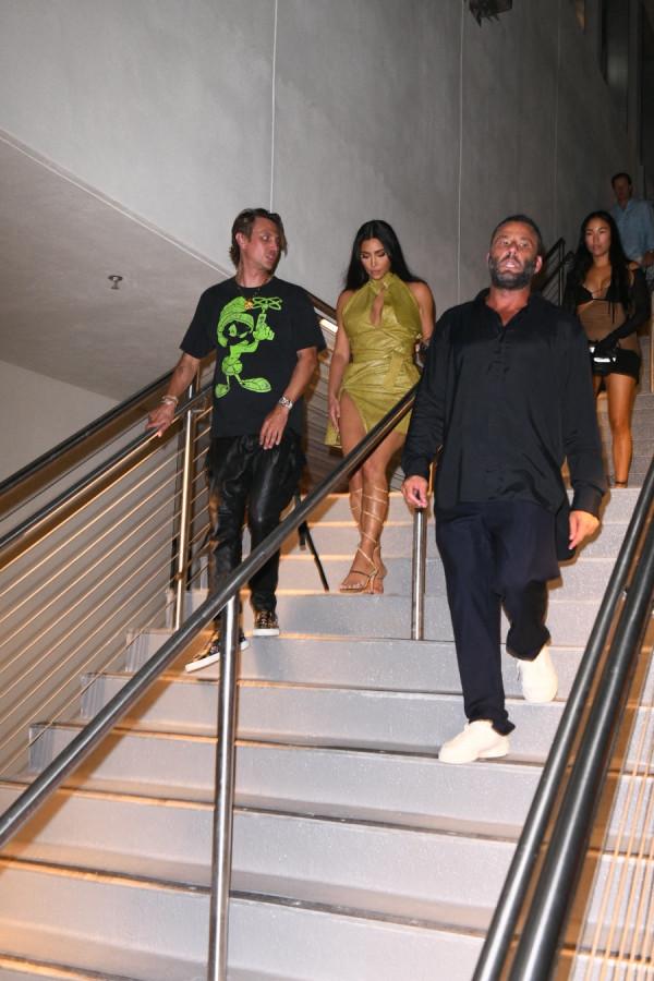 КиКи в Майами kim kardashian