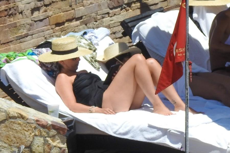 Сара Мишель Геллар на отдыхе arah michelle gellar,пляж/бикини