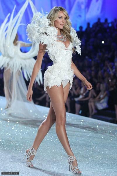 candice_at_vsfs_2013_runway_-_snow_angels030