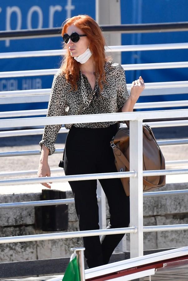 Джессика Честейн прилетела на Венецианский кинофестиваль