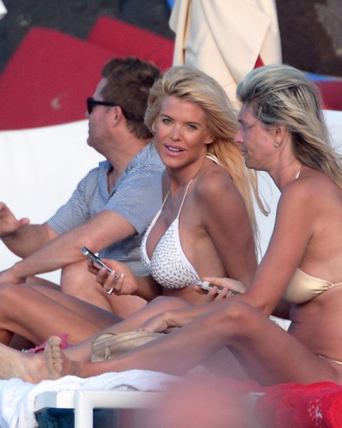 Victoria Silvstedt St Barts_123113_43
