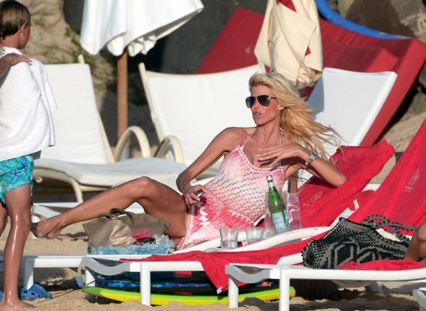 Victoria Silvstedt St Barts_123113_63