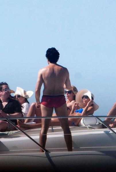 Eva_Longoria_Bikini_Candids_on_a_Yacht_in_Acapulco_January_21_2014_22
