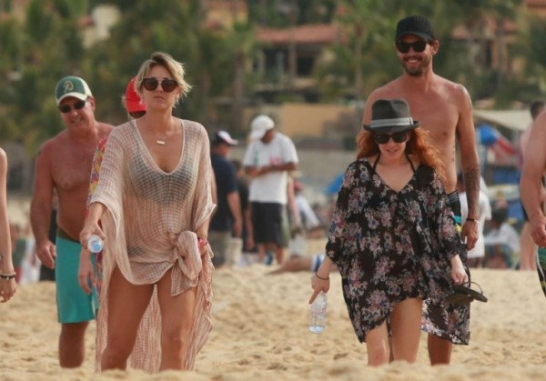 Kaley+Cuoco+Kaley+Cuoco+Ryan+Sweeting+Vacation+B4V41Cpqs0Hx
