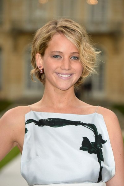 Jennifer+Lawrence+Front+Row+Christian+Dior+1E-FSRx95i-x