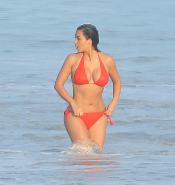 Kim Kardashian @ Bikini candids on vacation in Mexico 001