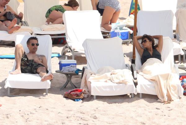 Семейка на пляже