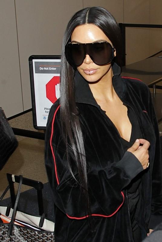 Ким Кардашян в LAX