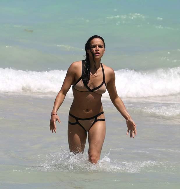 Michelle Rodriguez 2013-04-26 - enjoying the sun at Miami Beach 006