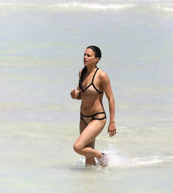 Michelle Rodriguez 2013-04-26 - enjoying the sun at Miami Beach 016