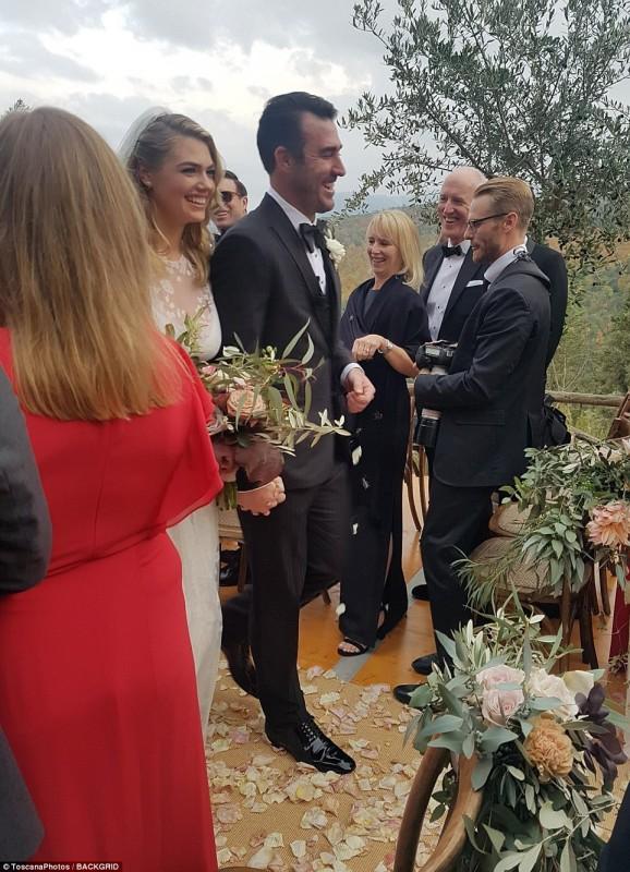 Кейт Аптон вышла замуж