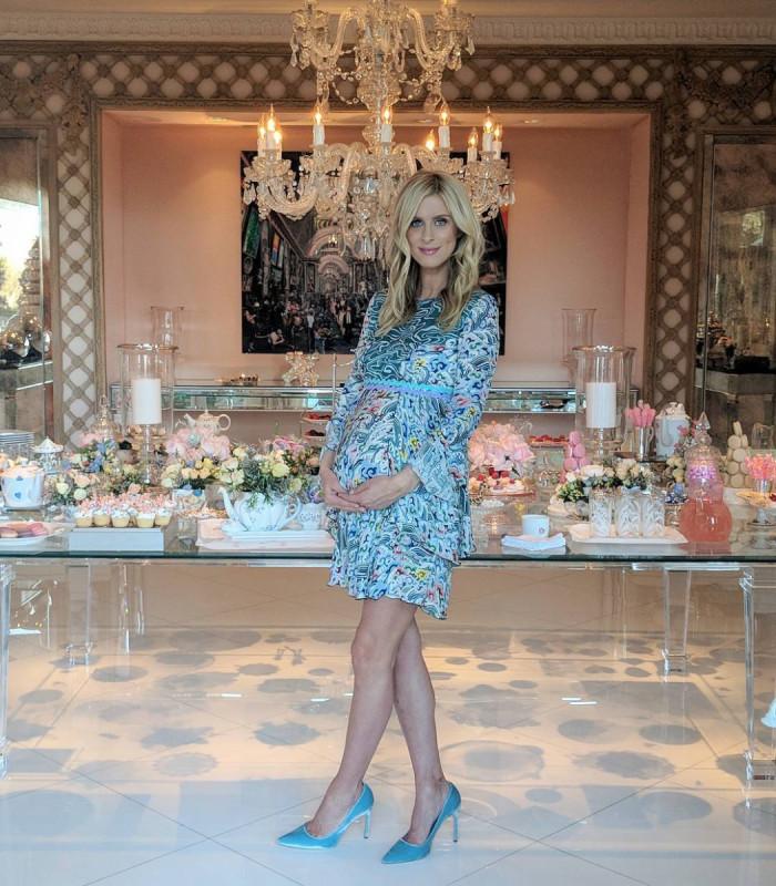 Baby shower у Ники Хилтон-Ротшильд