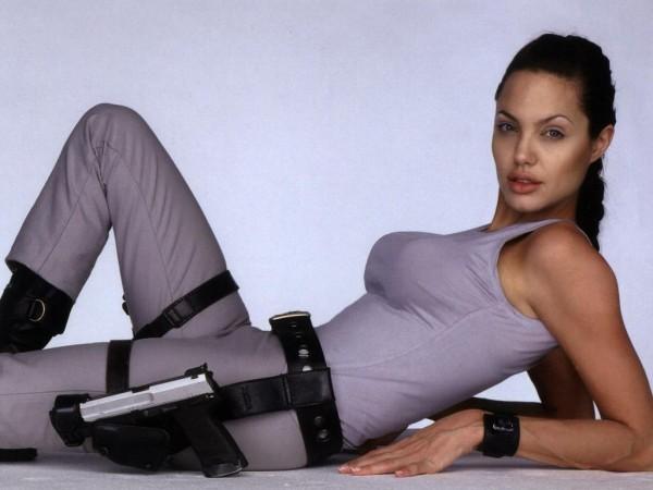 Джоли призналась, что удалила себе обе груди angelina jolie