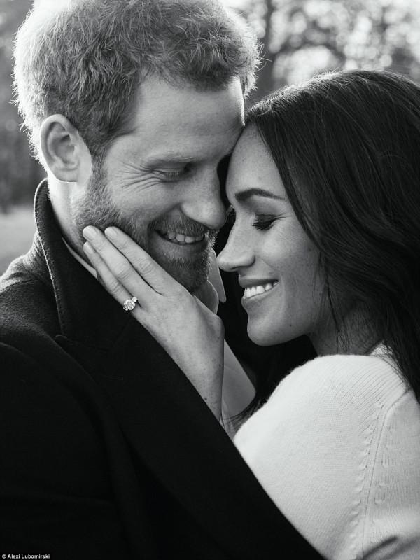 Принц Гарри и Меган Маркл: официальные снимки жениха и невесты
