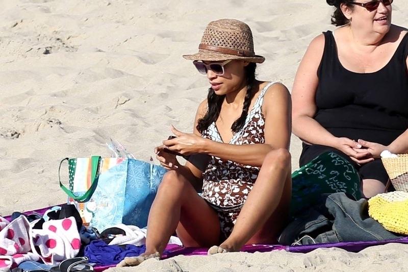 Розарио Доусон на пляжп Розарио, Доусон, субботу, время, отдыха, пляже