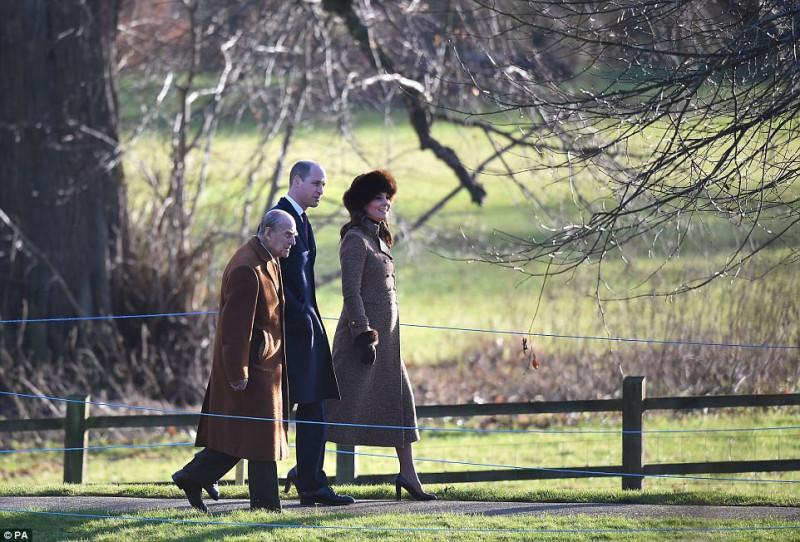 Королевская семья посетила воскресную службу