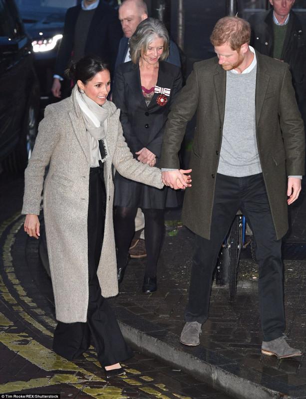 Принц Гарри и Меган Маркл в Брикстоне Принц, радиостанцию, подрастающего, предназначенных, программах, образовательных, деятельности, общественной, узнать, чтобы, Reprezent, местную, Гарри, посетила, Лондона, части, южной, район, Брикстон, посетили