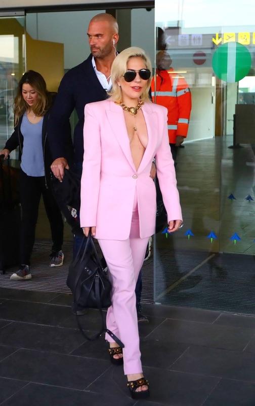 Леди Гага в Барсе четверг, прилетела, Барселону