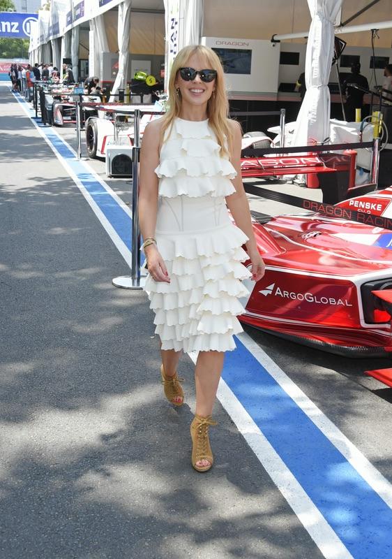 """Кайли Миноуг на гонках """"Формула E"""" в Чили"""