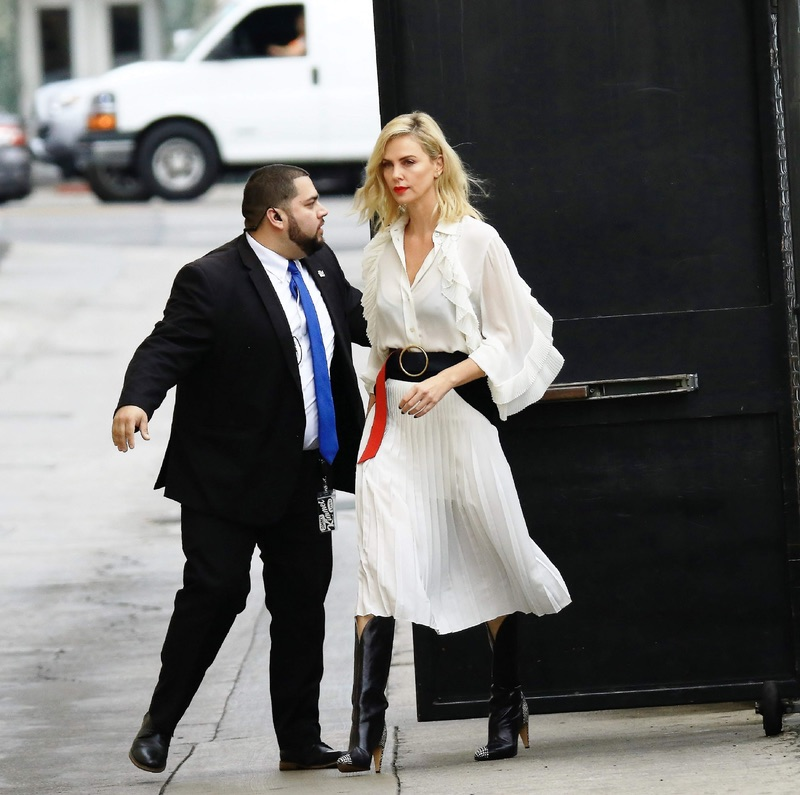 Шарлиз Терон перед съемками у Джимми Киммела Шарлиз, Терон, среду, перед, съемками, твшоу, Jimmy, Kimmel, актрисе, платье, Givenchy