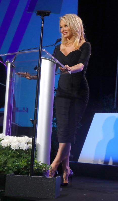 Памела Андерсон выступила против Uber приложений, Памела, смотреть, дорогу, ?Актриса, призывает, людей, умнее, иметь, ложного, чувства, вместо, безопасности, пользовании, данных, также, сказала, считает, безопасными, приложения