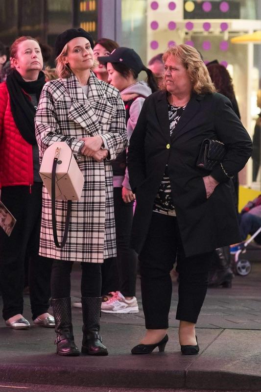 Дайан Крюгерс мамой в Нью-Йорке нью-йорк, манхэттен, дайан крюгерс