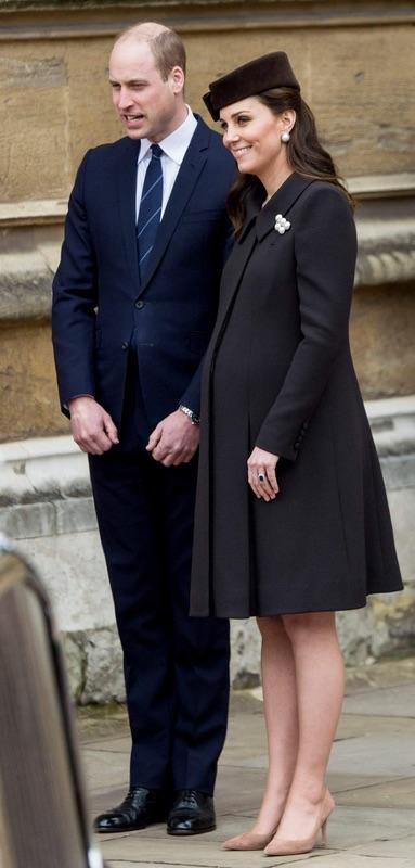 Королевская семья на праздновании Пасхи