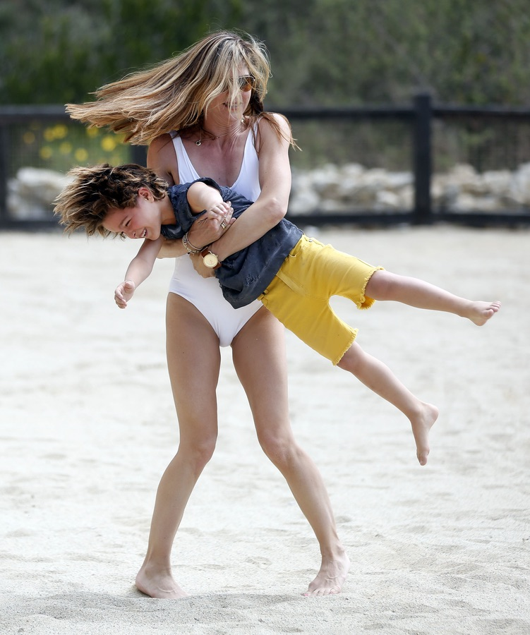 Мама и сын в ЛА