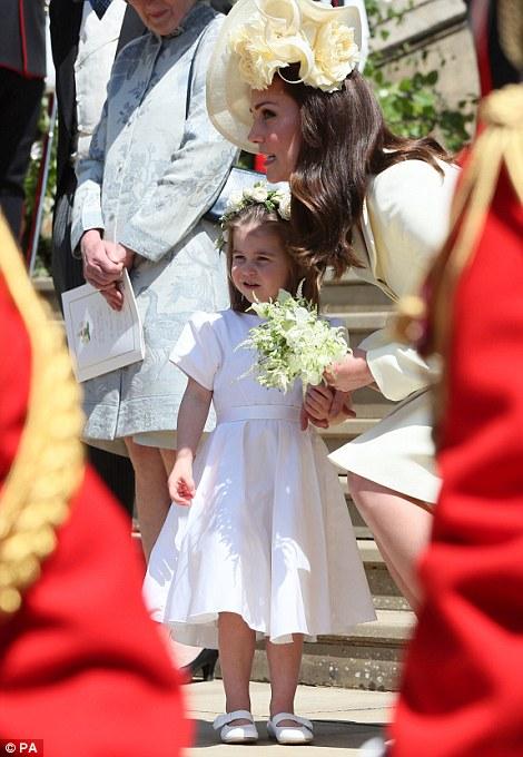 Герцогиня Кембриджская с детьми на королевской свадьбе