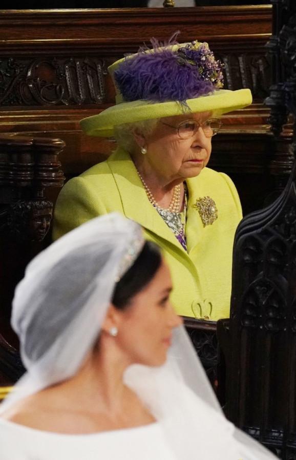 Королева Елизавета II  на свадьбе внука!