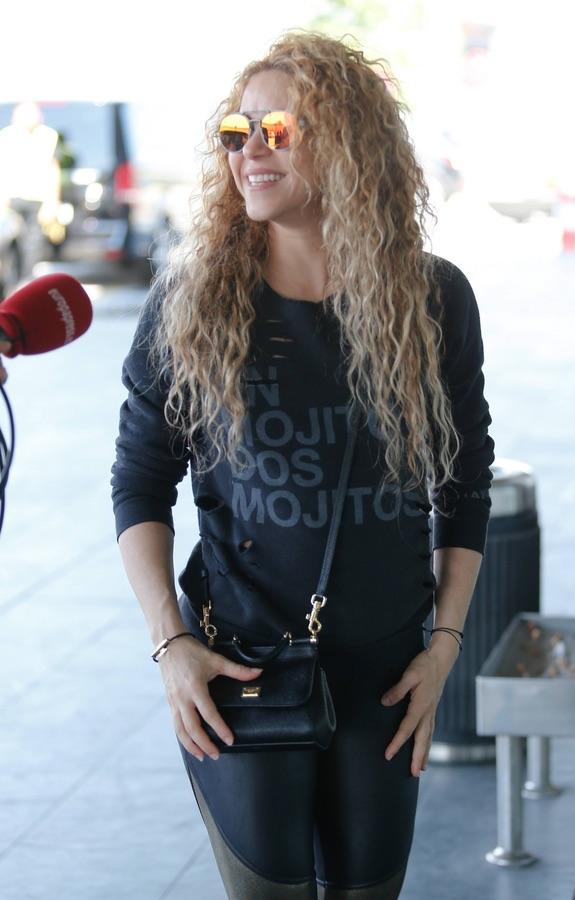 Шакира отправляется в турне Шакира, новый, концертный, последний, будет, Поговаривают, альбом, музыкальный, Dorado, пятницу, названное, турне, мировое, отправилась, 🎤Певица, Барселоны, аэропорту, Шакиры