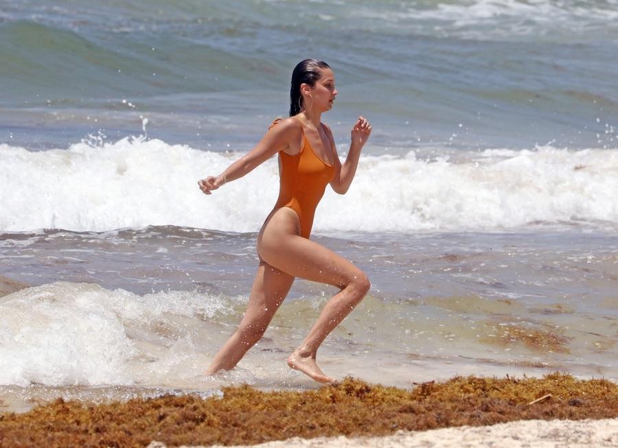 Белла Хадид на отдыхе Белла, Хадид, среду, подругами, время, отдыха, Канкуне